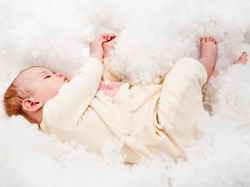 Ребенок в 4 месяца: развитие и особенности ухода за мальчиком